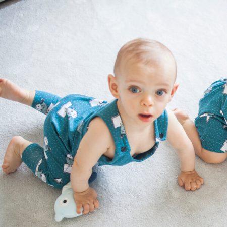 Peto de tirantes de bebe